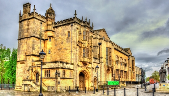 EY advises University of Bristol financing of real estate debt