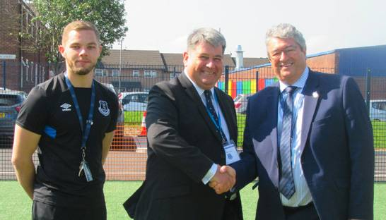 RSM donates to Everton in the Community's DofE programme