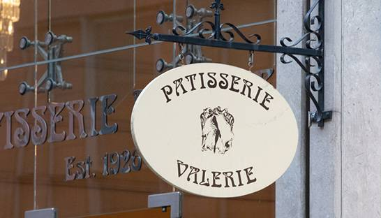 Patisserie Valerie appoints KPMG administrators after collapse