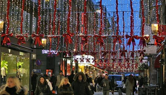 UK consumers set to spend big this Christmas