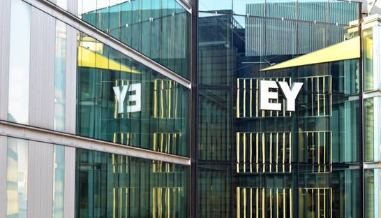 EY to downsize financial services consulting practice